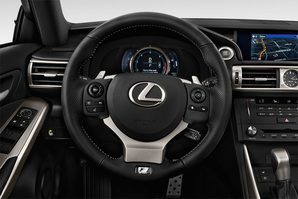 Lexus IS Lenkrad