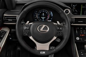 Lexus IS Hybrid Lenkrad