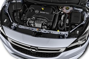 Opel Astra Sports Tourer Active Motoransicht