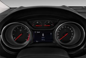 Opel Astra Sports Tourer Active Armaturentafel