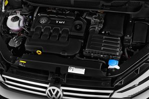 VW Touran SOUND Motoransicht